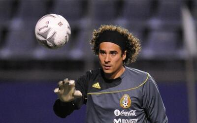 Guillermo Ochoa también acudió a Sudáfrica 2010, pe...