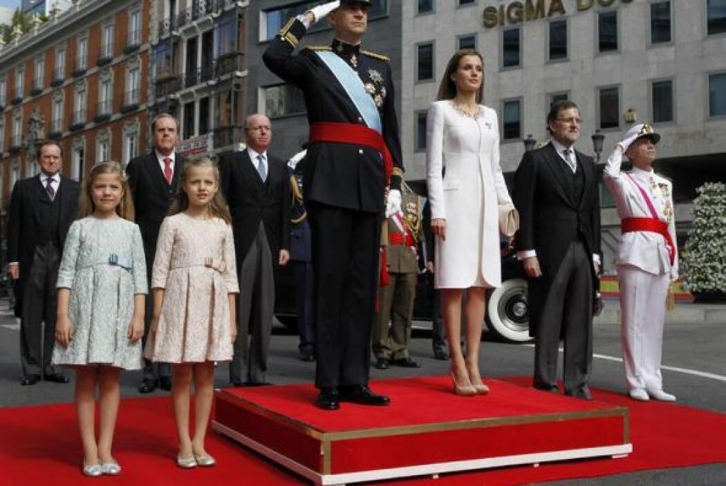Felipe VI hizo una parada para saludar a las Fuerzas Armadas que ahora d...