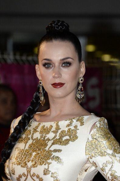 Katy Perry al igual que estas famosas no se limitaron al clásico...