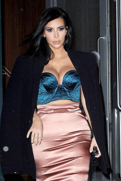 Kim cumplió con el compromiso, tomó su abrigo y se marchó a casa.