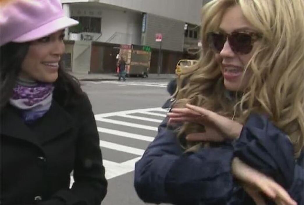 Tal y como lo había prometido, Thalía invitó a Karla Martínez a dar un p...