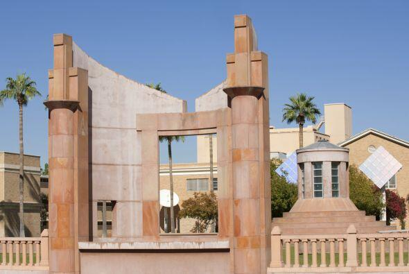 Arizona State University: Campus - Número de Estudiantes: 72,254 - Críme...