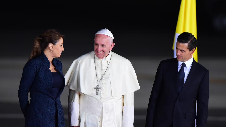 Enrique Peña Nieto y su esposa despidieron al Papa.