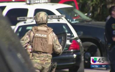Policía dispara contra civil tras agresión
