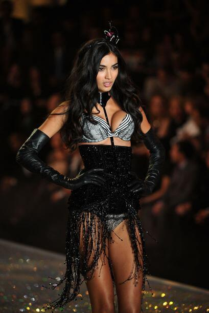 Kelly Gale lució este bello 'push up' estampado ¡listo para arrancar pas...