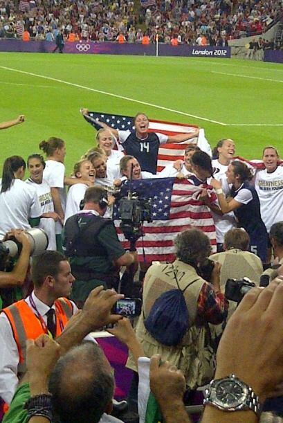 USA ganó 2 a 1 a Japón y se llevó el Oro. ¡Qué emoción!. USA USA USA Se...