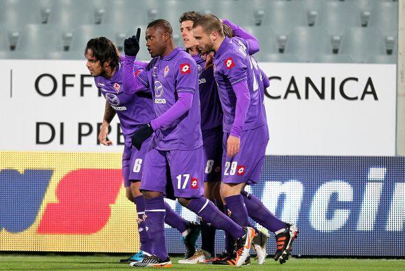 Alberto Gilardino abrió el marcador para la Fiorentina, que jugab...