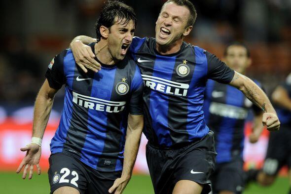En el actual ataque 'nerazzurri' figura un Diego Milito (33 años)...