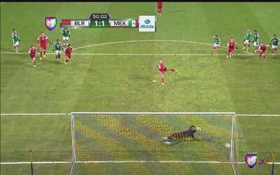Talavera para penalti pero Bielorrusia marca en el rebote contra México