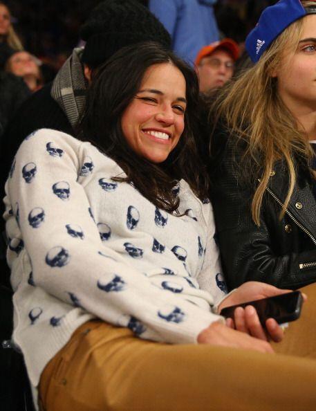 Michelle Rodríguez y Cara Delevinge fueron al juego de lo Knicks...