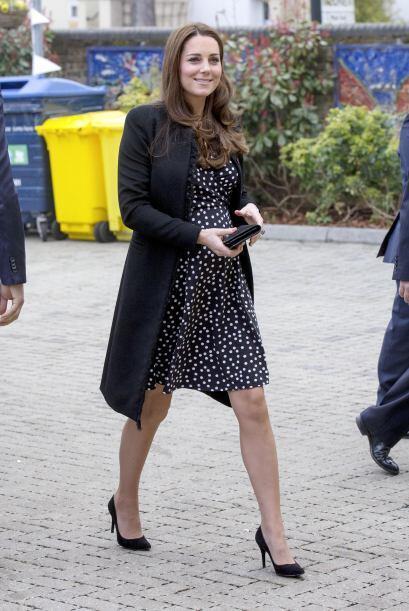 Kate Middleton mostró su elegancia con un atuendo muy sencillo. B...