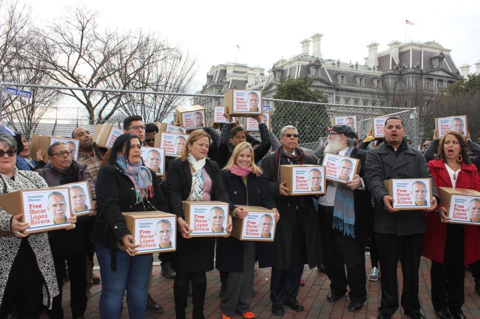 El miércoles 11 de enero, unos 200 manifestantes llevaron a la Casa Blan...