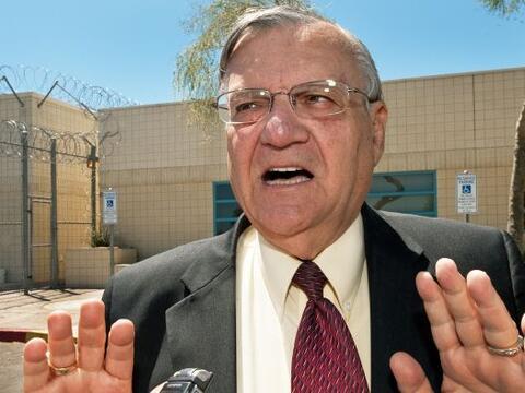 El alguacil de condado de Maricopa, Arizona, Joe Arpaio, dotará a...