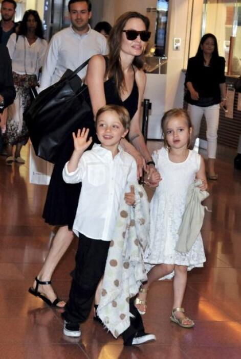 Vivienne y Knox, los más pequeños siempre utilizan un 'look' muy fresco,...