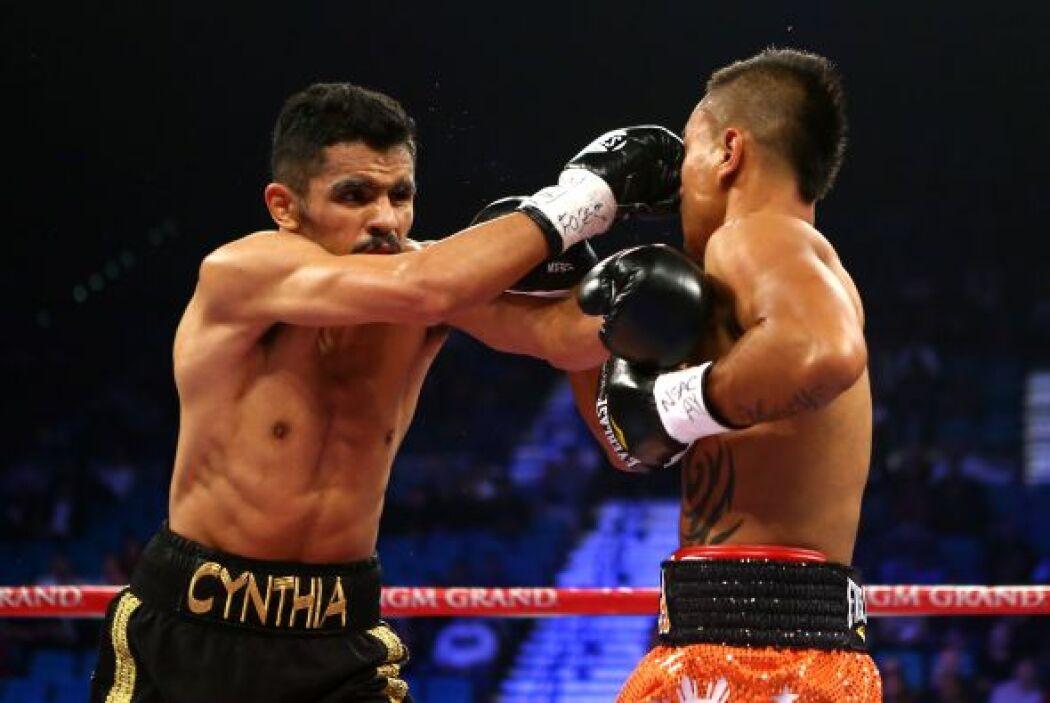 Vázquez pegó más y boxeo mejor para imponer su estilo, la pelea cayó en...