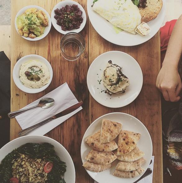 Sobre la mesa - Café Petisco