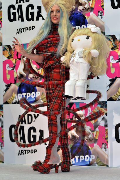 """""""Cuando sus amigos vieron las muñecas, estaban tan emocionad..."""