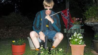 FBI investiga manifiesto racista de Dylann Roof