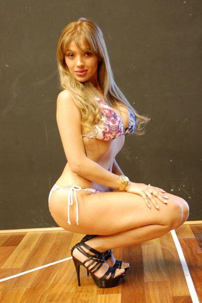 Con una mirada especial, Natalia te pide votes para que ella sea Miss Pr...