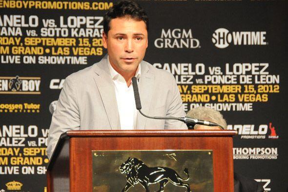 Oscar De la Hoya hizo la presentación y el anuncio oficial de que las pe...