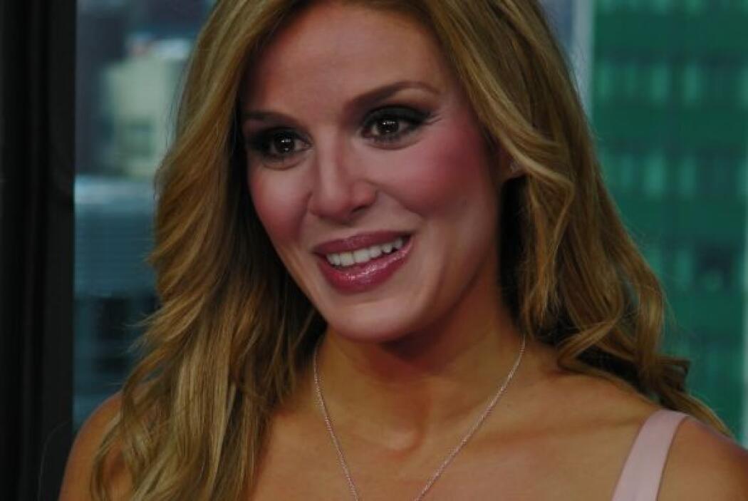 """Puedes ver """"Qué bonito amor"""" a través de Univision."""