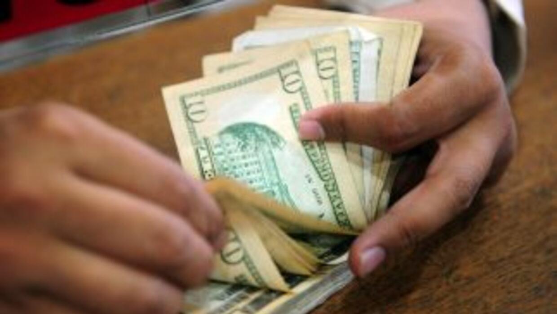 En julio el promedio de las remesas enviadas fue de 314.72 dólares.