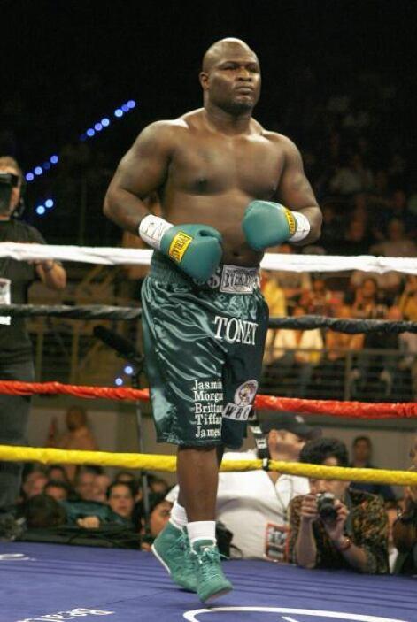 BOXEO JAMES TONEY: En el 2005 se dieron informes de que el campeón mundi...