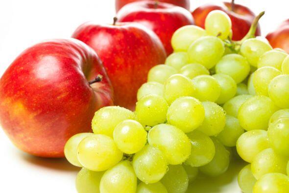 Frutas frescas: Un alimento bajo en grasa y calorías que proporci...