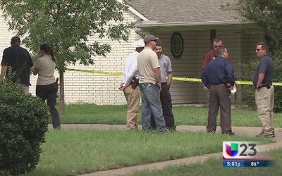 Buscan evidencia de asesinatos en Kaufman