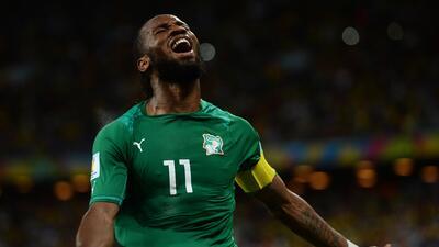Didier Drogba celebra gol con la selección de Costa de Marfil
