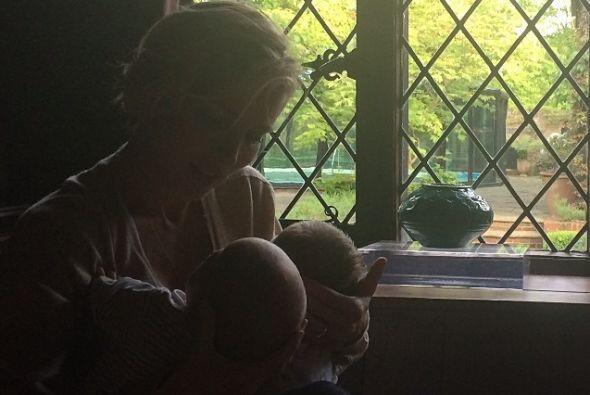 Elsa ha compartido varias imágenes hermosas de sus nenes. Mira aq...