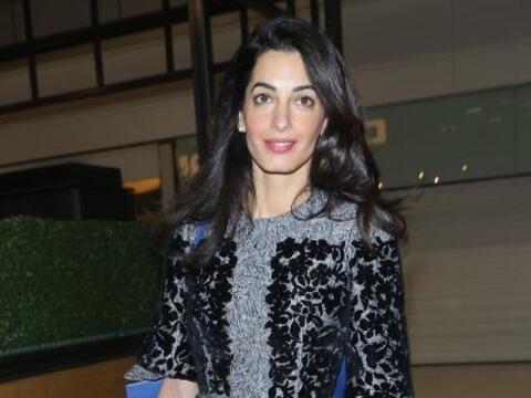 Pareciera que Sofía Castro robó del clóset de Amal...