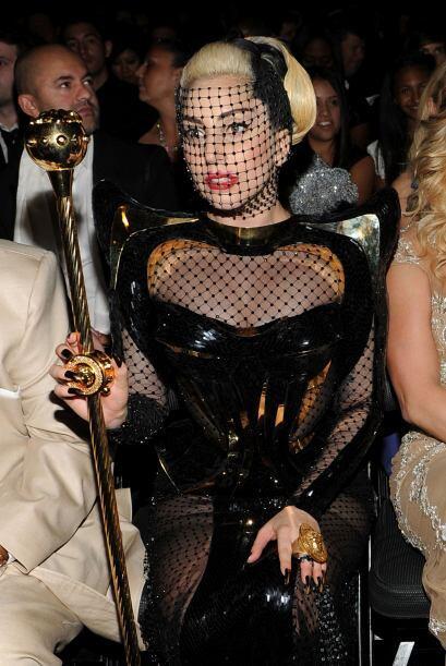 Lady Gaga como siempre estuvo en boca de todos por su exagerado y desmes...