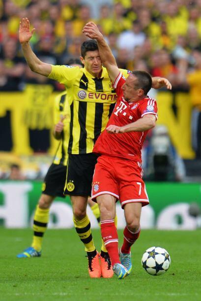 Ribery le soltó esta mano a Lewandowski .