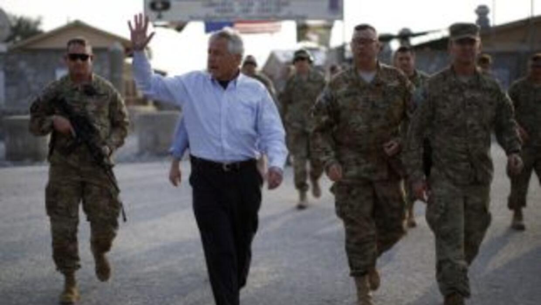 Los talibanes recibieron a Chuck Hagel, en su primera visita a Afganistá...