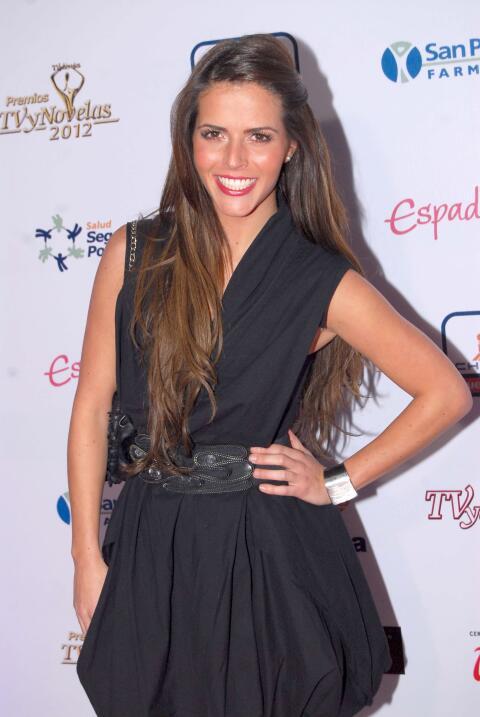 La novia de José Eduardo Derbez es súper fan de Victoria Ruffo 3.1416.jpg
