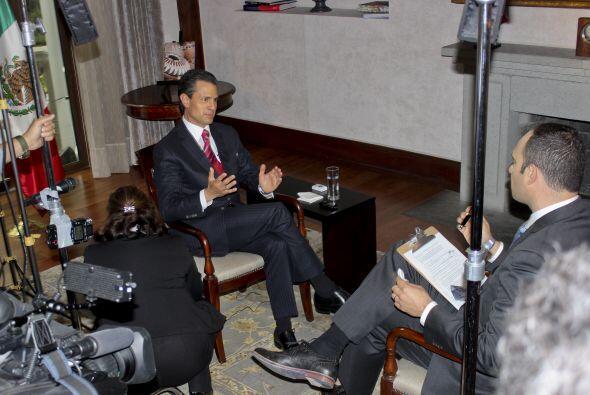 Peña Nieto llegó puntual a la cita. Foto: Miguel Car...