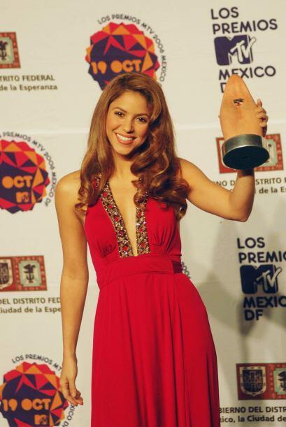 ¡Shakira nunca duda en llevar todo el estilo a los escenarios! Sabe que...