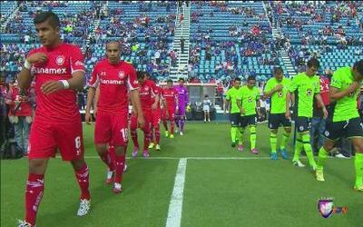 Toluca venció a la 'Máquina Cementera' en el estadio azul 2-1