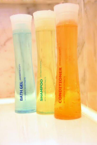 Botellas personalizadas. Para que el espacio se vea más uniforme y menos...
