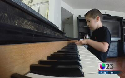 Alex, un virtuoso del piano