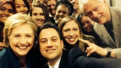 La foto selfie de los Clinton. (Fotografía tomada de Twitter).