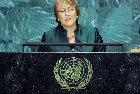 Pediatra de profesión, Michelle Bachelet tiene tres hijos y está separad...