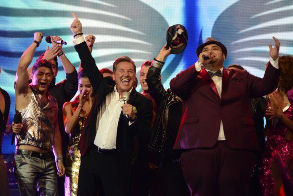 Ricardo Montaner con Ricardo y los demás chicos.