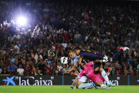 ...pero como todos, Alexis se estrelló con el portero del Granada.