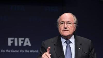 Blatter y toda la gente de la FIFA está envuelta en un manto de dudas.