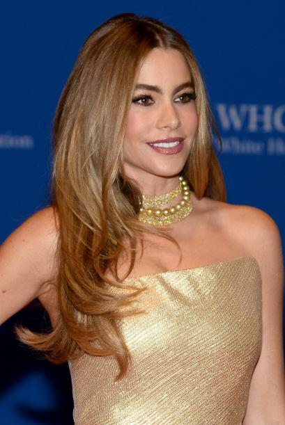 Esta belleza colombiana cumple nada menos qie 42 años, pero ¡ni se le no...