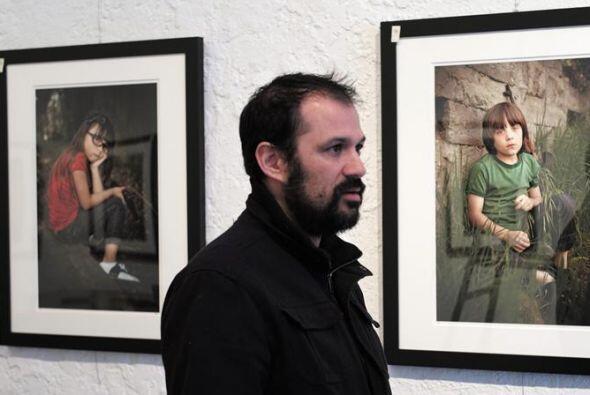 """La exposición """"Farewell to Arms"""" cuenta con 20 fotos que muestan a peque..."""