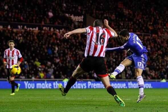 Hazard hizo su segundo gol del juego y Phillip Bardsley marcó anotación...