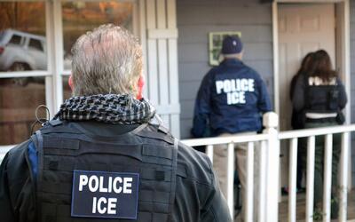 ¿Cómo saber si quien llama a la puerta es un agente de ICE?
